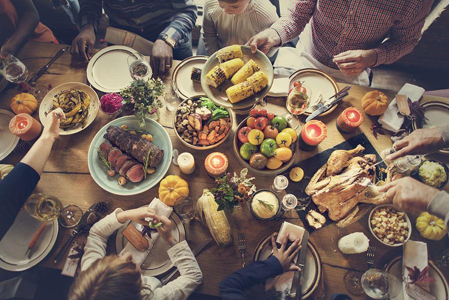 thanksgiving dinner sharing